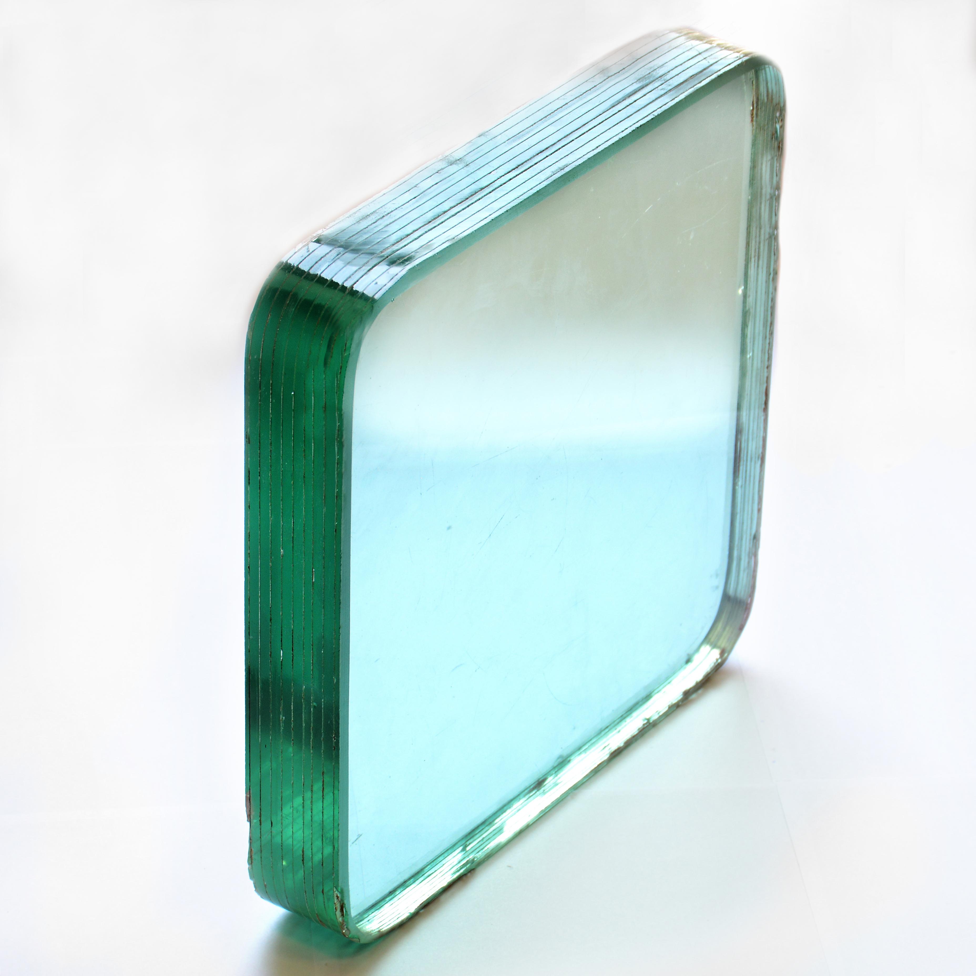 شیشه لمینیت 8 لایه