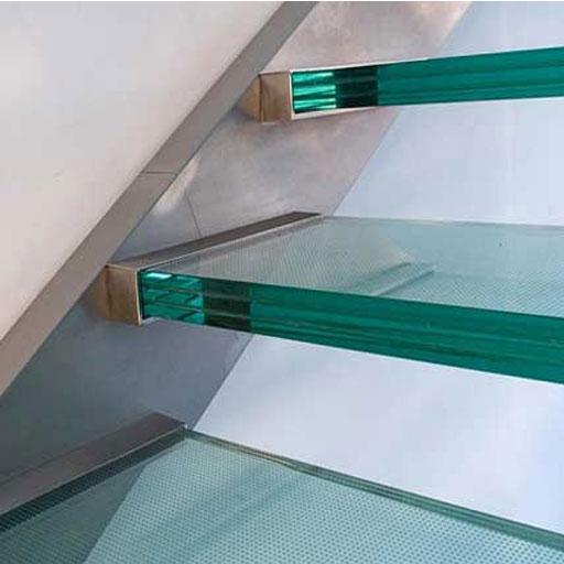 پله شیشه ای لمینیت چند لایه